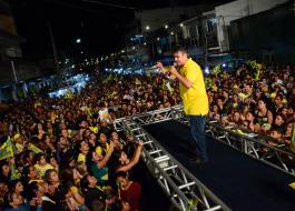 Cássio encerra noite de segunda-feira com grandes comícios em Monteiro e Queimadas