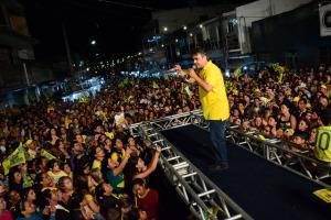 Queimadas 8 300x200 -  Cássio encerra noite de segunda-feira com grandes comícios em Monteiro e Queimadas