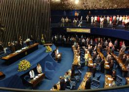 Cássio Cunha Lima e mais 9 senadores podem deixar mandatos com suplentes