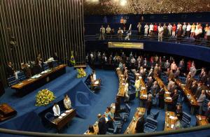 Senado federal 300x196 - Cássio Cunha Lima e mais 9 senadores podem deixar mandatos com suplentes