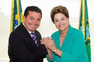 Vital Dilma 300x199 - Dilma liga para Vital, agradece apoio e diz que ele foi padrinho da aliança que lhe garantiu ampliar votação