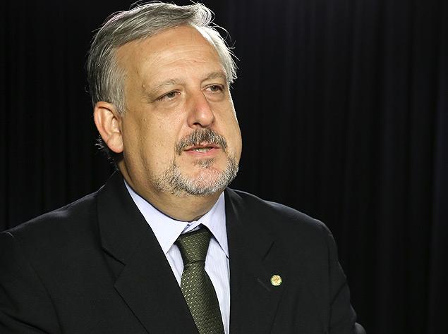 berzoini - PT quer Berzoini em pasta para tocar regulação da mídia