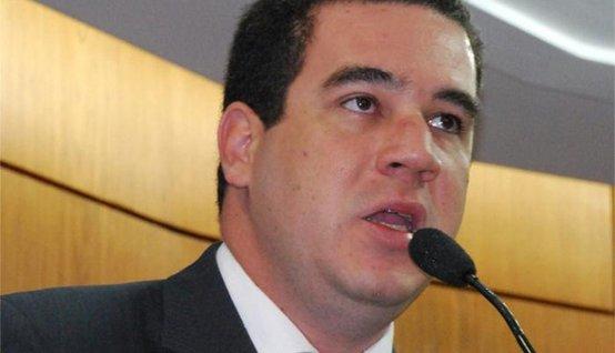 bira pereira - Bira amolece discurso, compara reeleição de RC à jogo e deseja sorte no segundo mandato