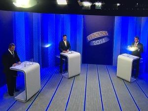debate 1 300x225 - DEBATE DA GLOBO: CÁSSIO X RICARDO - EDUCAÇÃO, DROGA, CAGEPA E DEMISSÕES NO PRIMEIRO BLOCO