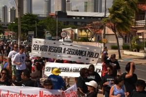 foruom 300x199 - Servidores fazem manifestação em João Pessoa em defesa do serviço público