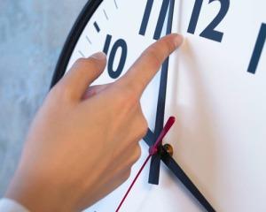horario de verao 300x240 - Horário de verão começa no próximo domingo