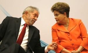 lula dilma 1 300x180 - Mais um escândalo abala a República e, como no caso do mensalão, Lula de nada sabia. Nem Dilma -Por Ricardo Noblat