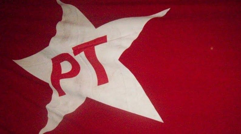 PT aprova resolução e orienta deputados a seguirem aliança com o PSB