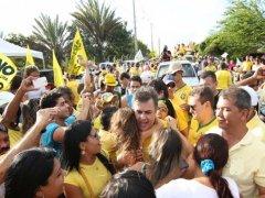 saba - Cássio faz caminhada em CG e participa de carreata no Sertão