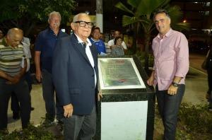 PRAÇA3 300x198 - Luciano Cartaxo entrega obra da Praça Senador José Gaudêncio