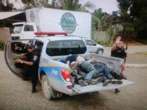 apos invadirem quartem da pm 8 bandidos sao mortos em confronto489x346 97811aicitonp18e698i251ge9aes1jo4vnmf8l8 300x224 - Polícia brasileira matou 6 pessoas por dia em 5 anos, diz estudo