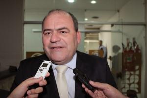 bado 300x199 - Justiça condena ex-prefeito Bado Venâncio a 2 anos e 6 meses de prisão