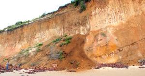 barreira03 300x157 - Parlamentar defende intervenção na barreira do Cabo Branco