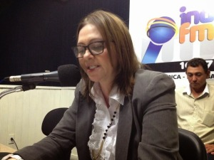 carmelita Livramento 300x225 - Prefeita de Livramento é acusada de pagar R$ 100 mil para conseguir adesão de vereadora