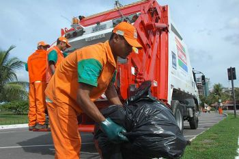 coleta de lixo - Promotor confirma caos na coleta de lixo no Conde e instaura inquerito civil público