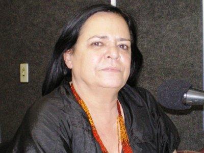Diretora da Cehap comemora entrega de 15 mil casas em 4 anos e culpa governo federal por atrasos