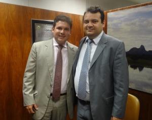 hugo motta 300x237 - Na FUNASA, Hugo Motta cobra pagamento para projeto de saneamento em Tavares