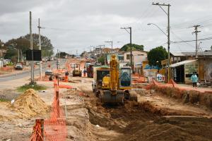 obra 300x200 - TCU condena Ana Cartaxo a devolver R$ 574 mil por irregularidades em obras na PB