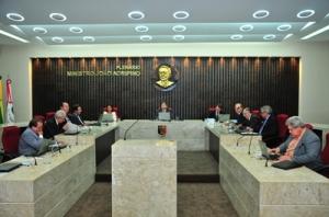 plenario 300x198 - TCE reprova contas de ex-prefeitos de Solânea,  Curral Velho  e Igaracy