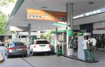 posto - Petrobras aumenta preço da gasolina em 3% e do diesel em 5%