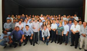 prefeitos com ricardo1 300x176 - Ricardo Coutinho reúne 110 prefeitos em almoço na capital