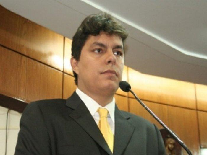 COM JOÃO AZEVEDO: Vereador Raoni Mendes deixa o PTB e vai para o Democratas