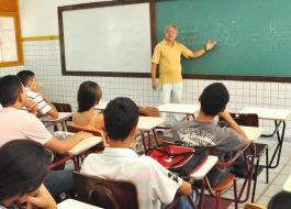 Medida provisória do ensino médio é inconstitucional, diz Procuradoria