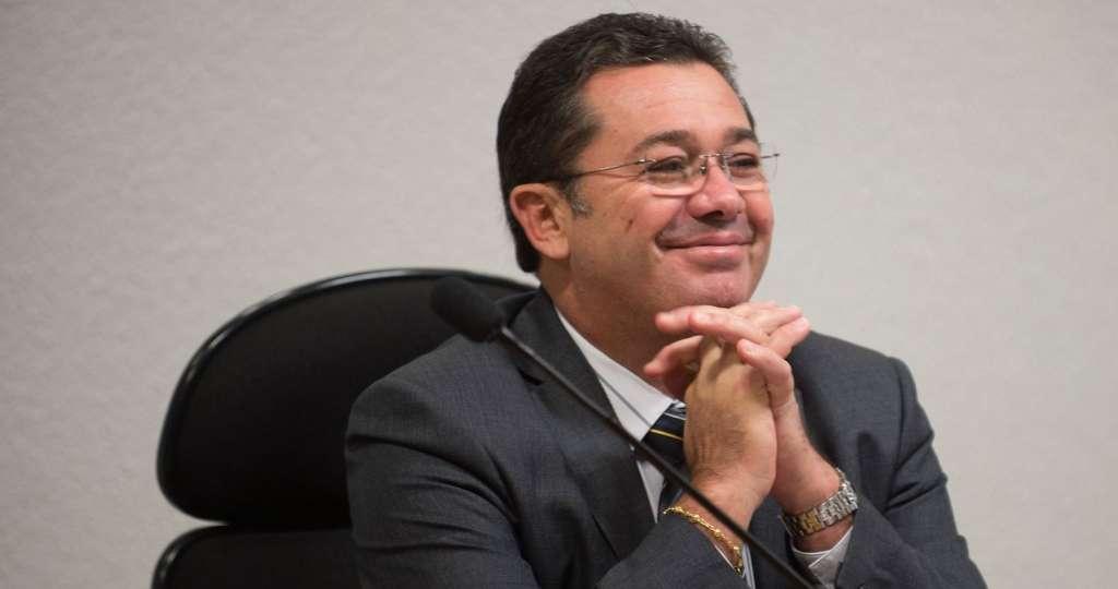 CÁSSIO ELOGIA E APROVA VITAL: Haveria algum receio por parte da oposição em contas futuras a serem aprovadas pelo senador Vital do Rego Filho?! – Por Simone Duarte