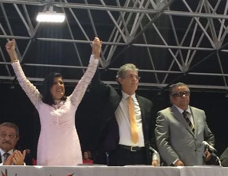 """A POSSE DE RICARDO 2: Em seu primeiro discurso """"o povo voltou ao poder!'"""