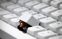 Uso de perfil falso em redes sociais poderá caracterizar crime