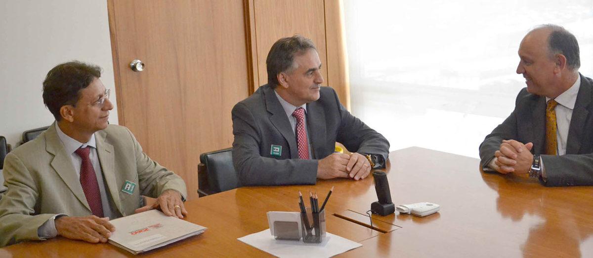 Em Brasília Luciano Cartaxo assegura recursos para seis novas escolas de tempo integral na Capital
