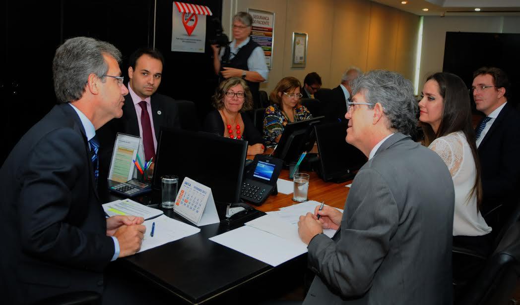 Em audiência com Ricardo, ministro da Saúde garante liberação de recursos para conclusão do Hospital de Oncologia de Patos