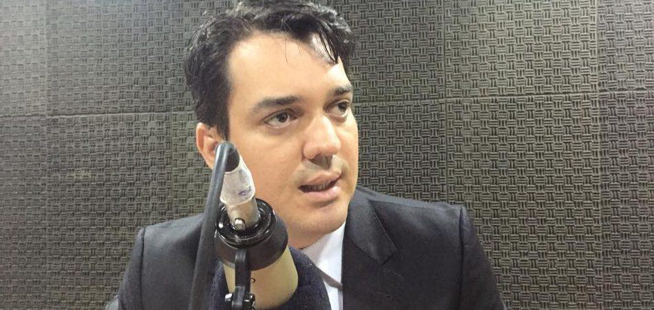 Governador Ricardo vai editar Medida Provisória para suspender seu próprio aumento