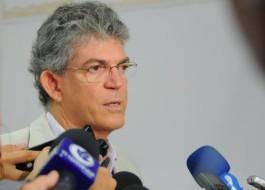 EM BRASÍLIA: Ricardo diz que não tem interesse em vetar Manoel Júnior no Ministério da Saúde, mas avisa: 'Ele não me engana'
