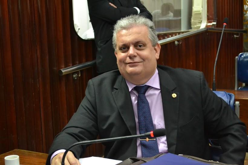 João Bosco Carneiro consegue reforma de Escola Normal em Alagoa Grande
