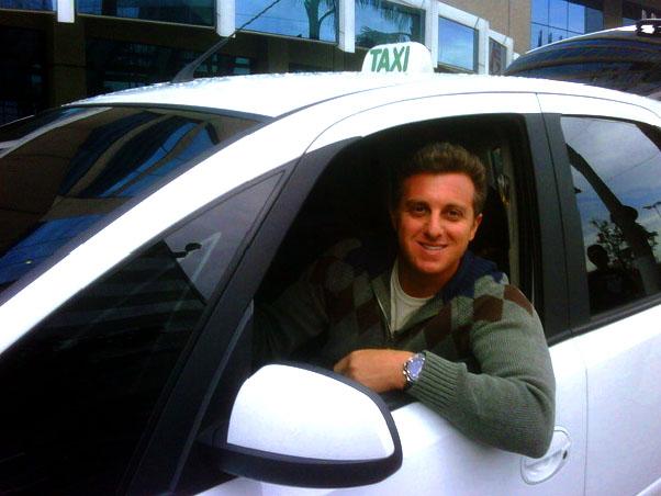 'Caldeirão' deste sábado traz Luciano Huck como taxista em João Pessoa