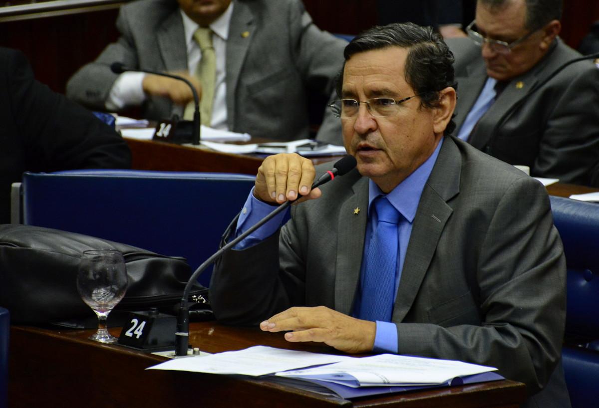 'Saída do PMDB do governo e sua aliança com o PSDB é a cartada final para o golpe', dispara Anísio Maia