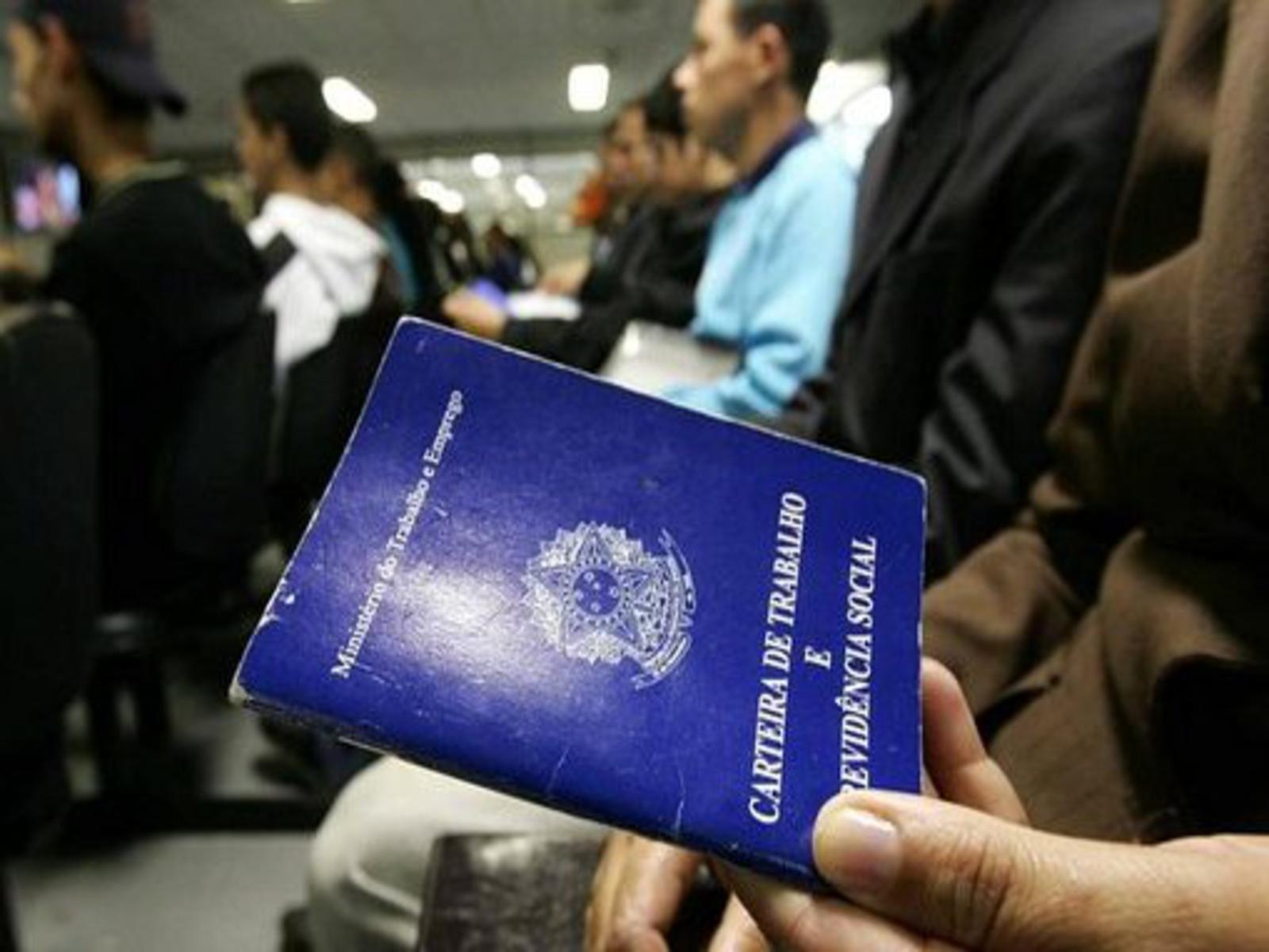 MAIS DESEMPREGADOS: 13,7 milhões de brasileiros sem trabalho