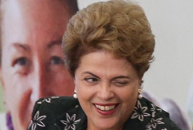Dilma exonera ministros para votarem contra o impeachment na Câmara