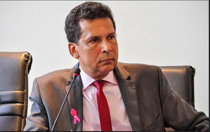 Ricardo diz que Cartaxo sempre ignorou erosão da barreira do cabo Branco