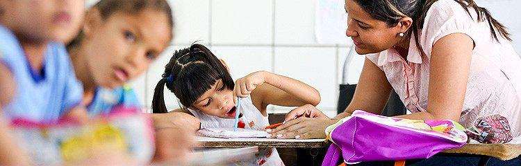 Resultado de imagem para exclusão escolar de deficientes
