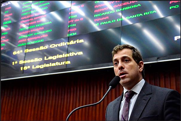 Gervásio toma coragem de deixar o PMDB? – Por Laerte Cerqueira