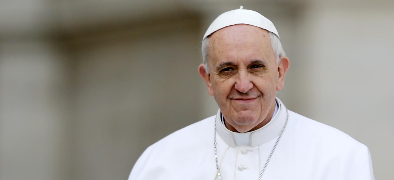 Papa admite uso de contraceptivos durante epidemia de zika