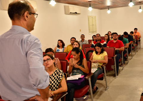 Secretaria de Administração lança edital com 28 vagas para professores