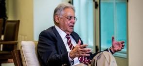 22out2015 o ex presidente fernando henrique cardoso psdb em entrevista para a folha de s paulo em seu escritorio no instituto fhc zona central de sao paulo 1445691675017 300x300 e1452560063714 - Fora de si, FHC chama Lula de 'analfabeto'