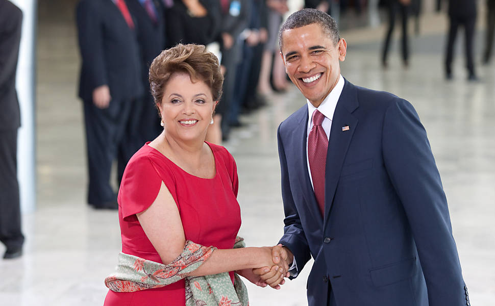 Por telefone, Dilma e Obama discutem vacina contra zika