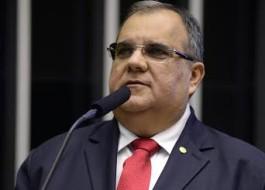 Deputado paraibano viaja para São Paulo e faz cirurgia para reduzir peso