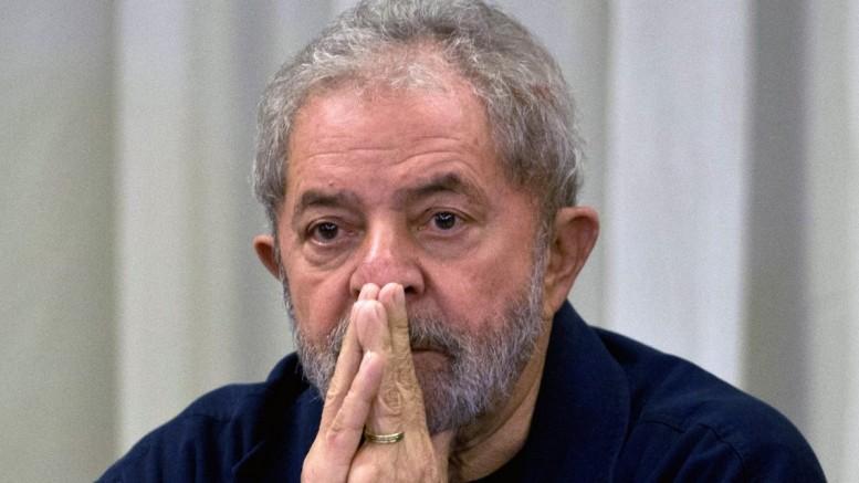 Conselho autoriza promotor a retomar investigação sobre Lula e triplex