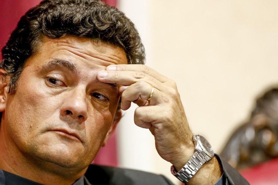JUIZ SERGIO MORO - Supremo suspende julgamento sobre competência de Moro para julgar Lula