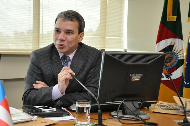 Oposição tenta impedir posse de novo ministro da Justiça